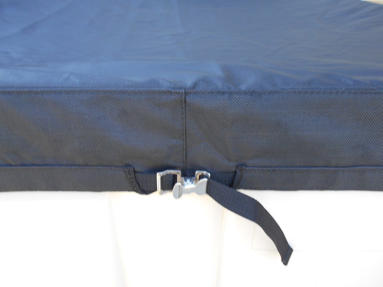 A skirt with tightened strap allows for a tight seal between our Macro Cover and your fermentation tank.