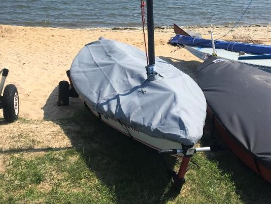 Mast Up Flat Mooring Cover to fit a Phantom Sailboat by SLO Sail and Canvas.