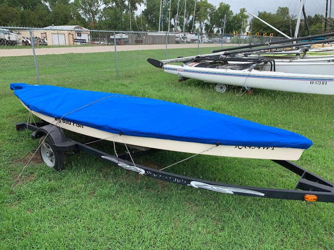 Keep dirt and debris away from your Big Fish sailboat with a Spars on Deck Top Cover from SLO Sail and Canvas.