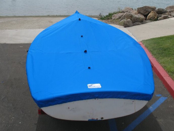 """1/4"""" shockcord is built into cover to secure your cover tightly around the boat's rubrail. Web Loops allow you to """"tent"""" your cover up to prevent pooling of water."""