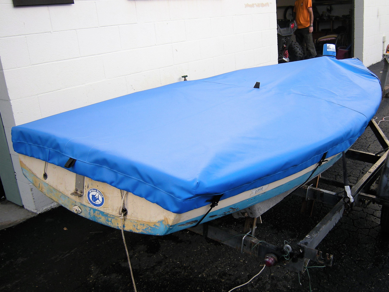 Capri Cyclone sailboat Mast Up Flat Cover by SLO Sail and Canvas
