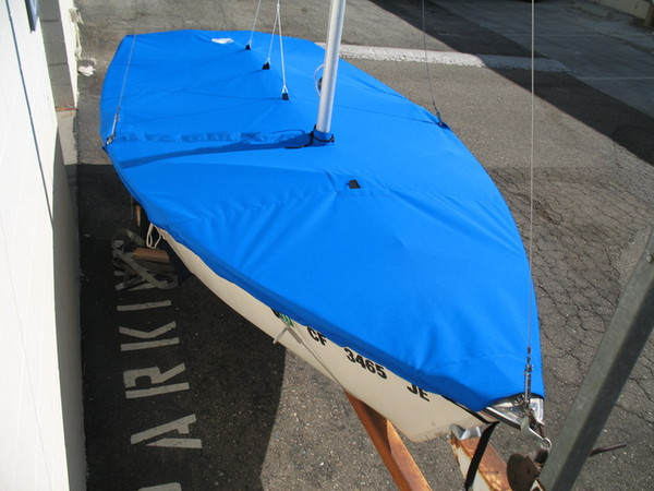 Mast Up Flat Cover to fit a Blue Jay sailboat by SLO Sail and Canvas