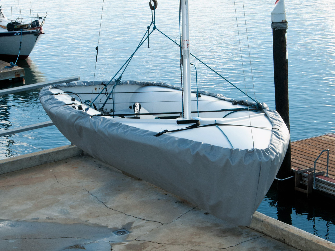 420 Hull Cover shown in Top Gun Seagull Gray. Available in 4 fabrics and many color choices.