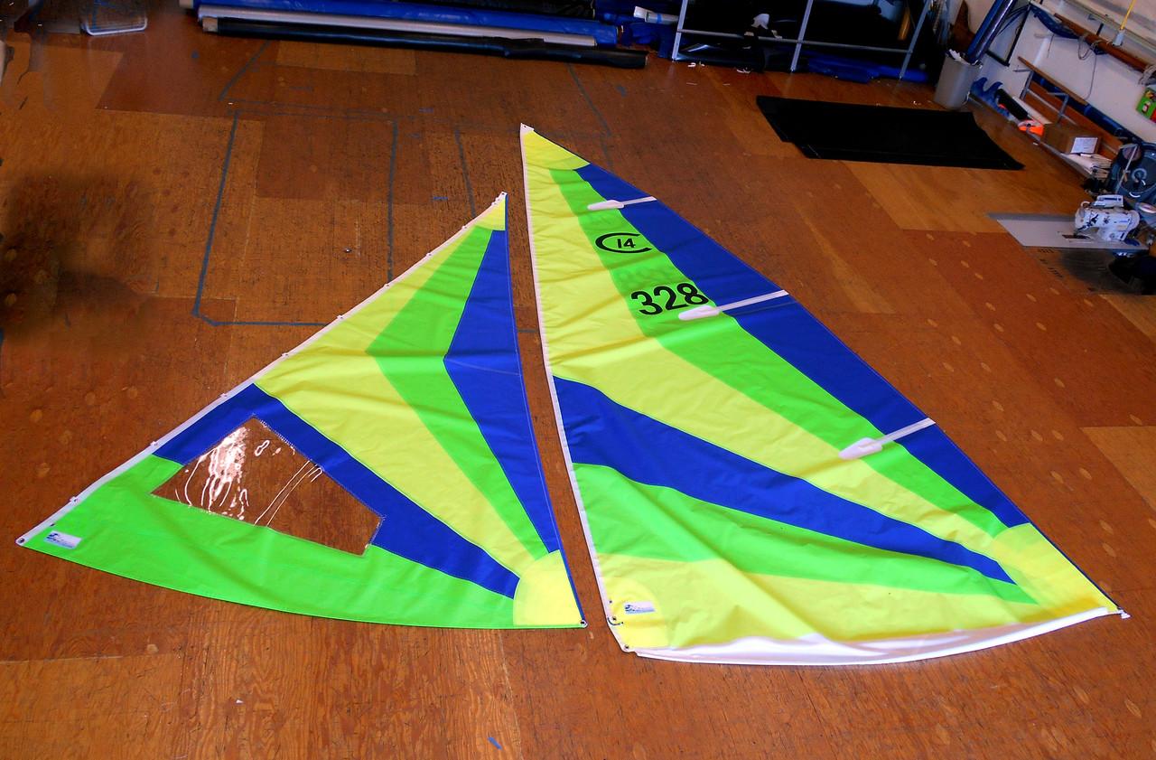 Capri 14.2 Radial Color Sail Set