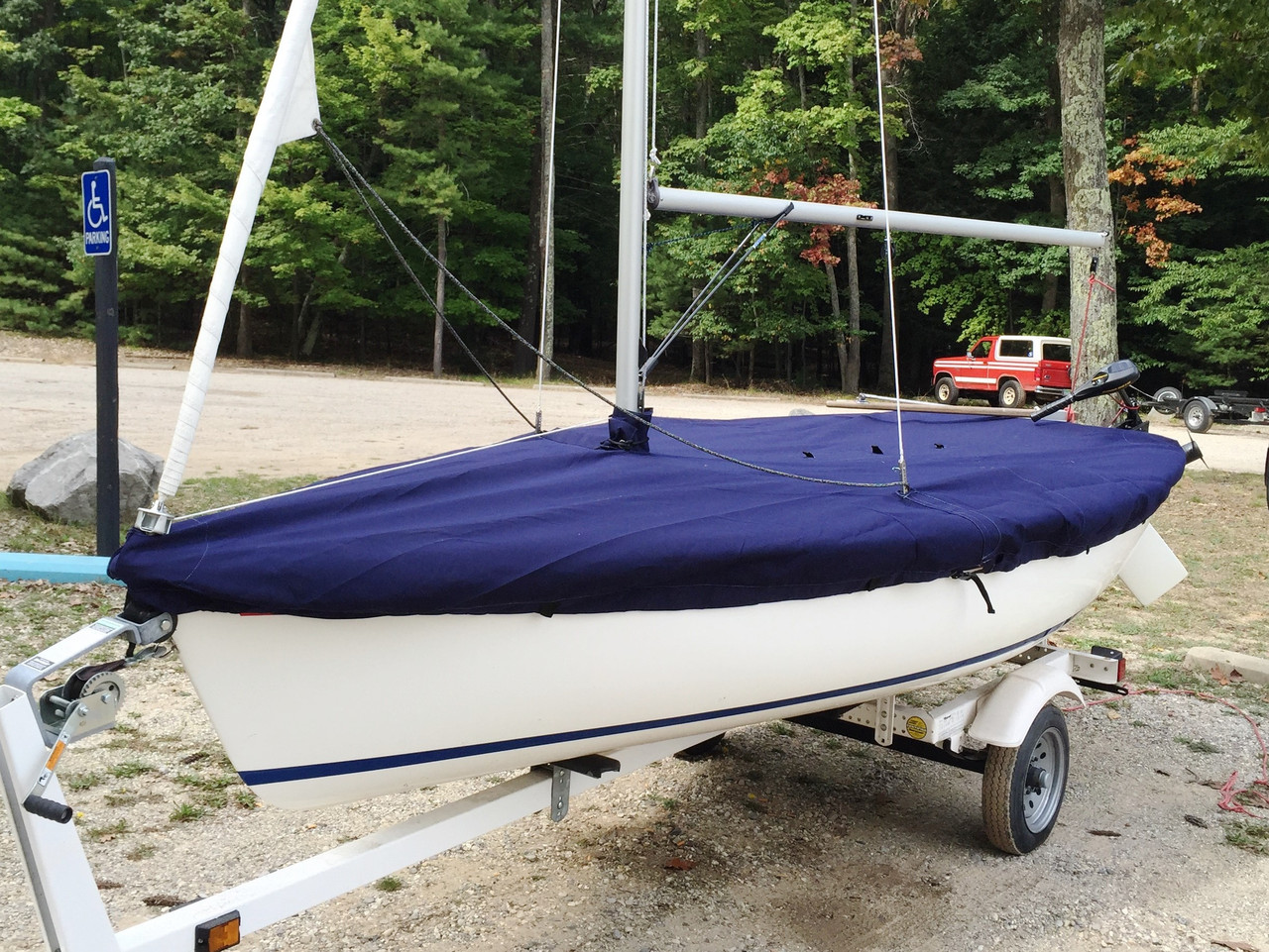 Capri 14.2 (by Catalina) Mast Up Flat Mooring Cover by SLO Sail and Canvas