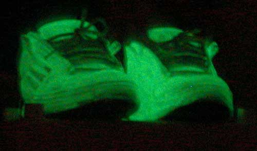 glow-shoes-01.jpg