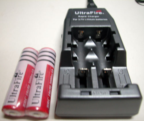 UltraFire 3000mAh 3.7V Rechargeable li-ion Battery Bundle
