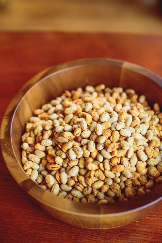 Tosteds dry roasted Laura®  soybeans