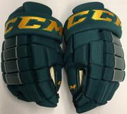 "CCM HG4RRP Pro Stock Custom Hockey Gloves 13"" Vermont NEW"