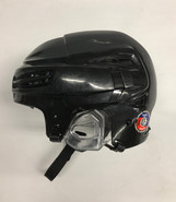 BAUER REAKT 100 PRO STOCK HOCKEY HELMET BLACK MEDIUM