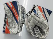 CCM Extreme Flex 4 Goalie Glove Gibson Pro stock Soundtigers AHL 3