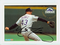 Mike Munoz AUTOGRAPH 1994 Fleer Rockies 