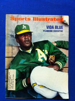 1972 Sports Illustrated March 27 Vida Blue (Cover creases, contents fine) Good to Very Good