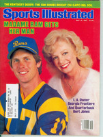 1982 Sports Illustrated May 10 Bert Jones (w/ Georgia Frontiere) Excellent
