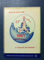 1961 Senators Program vs Angels (28 pg) Unscored FIRST SEASON IN DC Excellent [Sl bend at top, corner ding; contents super clean]