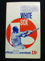 1962 White Sox Game Program vs Yankees (32 pg) Scored 3 INN Aug 4 - Baumann vs Stafford (Chi 2-1) Very Good to Excellent [Non-detailed scoring; sl tear and wear on cover, contents fine]