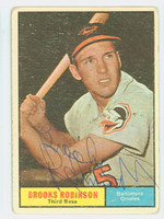 Brooks Robinson AUTOGRAPH 1961 Topps #10 Orioles CARD IS F/G; HEAVY CREASE, AUTO CLEAN  [SKU:RobiB1208_T61BBS]