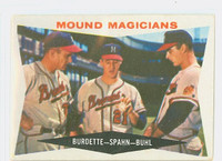 1960 Topps Baseball 230 Mound Magicians Milwaukee Braves Good to Very Good