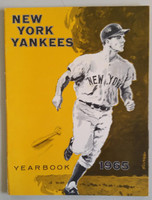 1965 Yankees Yearbook Jay Near-Mint Lt wear along binding; ow very clean example