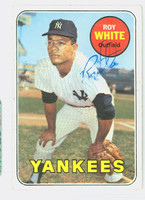 Roy White AUTOGRAPH 1969 Topps #25 Yankees CARD IS G/VG; CRN CREASE, AUTO CLEAN