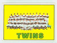 1967 Topps Baseball 211 Twins Team Excellent to Excellent Plus