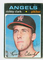 Rickey Clark AUTOGRAPH 1971 Topps #697 Angels HIGH NUMBER CARD IS F/P; CREASE, AUTO CLEAN