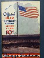 1942 Tigers Scorecard vs Browns (8 pg) Scored July 1 - White vs Auker (Stl 12-0, Auker CG SHO) Very Good [Wear along binding, contents nice]