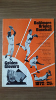 1972 BB Program Orioles vs White Sox (38 pg) Unscored Good to Very Good [Wear and vert compact fold on cover, sl paper loss on binding]
