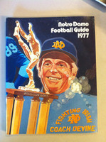 1977 Notre Dame Football Guide (96 pages - features, player profiles, stats, photos) (from the Red Schoendienst collection) Near-Mint [Very clean example]