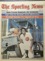 1980 The Sporting News February 23 Truck Robinson Suns Near-Mint