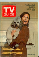 1970 TV Guide Sep 19 Mary Tyler Moore Show (First Cover) Central California edition Very Good  [Lt wear on cover, minor creasing; back cover partly torn]