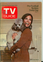 1970 TV Guide Sep 19 Mary Tyler Moore Show (First Cover) Western Illinois edition Excellent - No Mailing Label  [Wear and creasing on cover; ow clean]