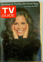 1972 TV Guide Feb 26 Mary Tyler Moore Pittsburgh edition Very Good - No Mailing Label  [Sl loose at staples, wear on cover; contents fine]