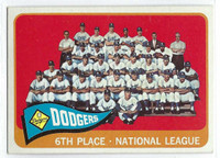 1965 Topps Baseball 126 Dodgers Team  [SKU:Y65_T65BB_126a_5exrs]  Excellent