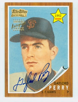 Gaylord Perry AUTOGRAPH 2002 Topps Legends Autographs Giants CERTIFIED   [SKU:PerrG1629_T02ARCHce]
