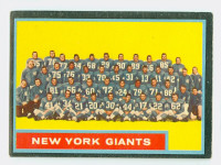 1962 Topps Football 114 Giants Team Excellent to Mint