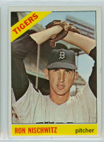 1966 Topps Baseball 38 Ray Nischwitz Detroit Tigers Excellent to Mint