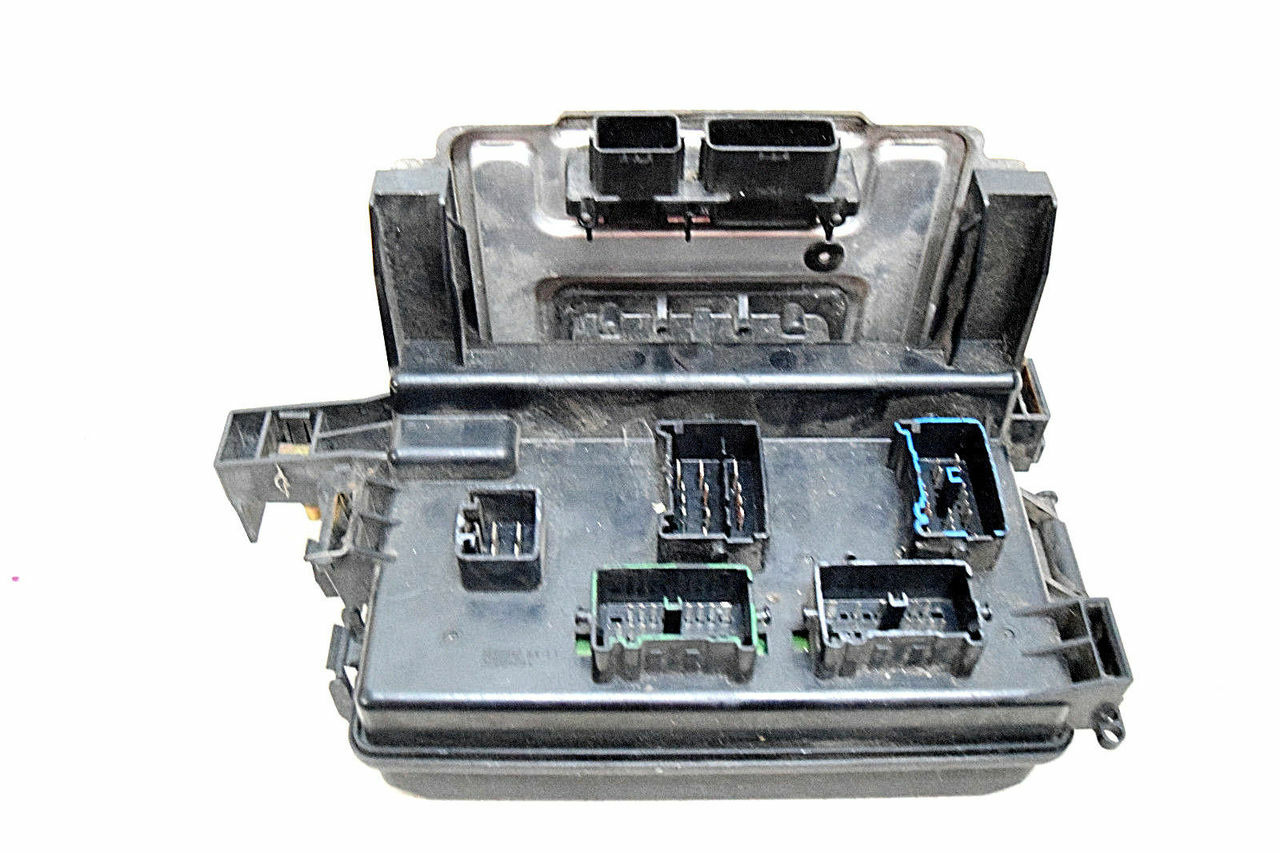05 DODGE MAGNUM ENGINE BAY FUSEBOX FUSE BOX P56038742AJA