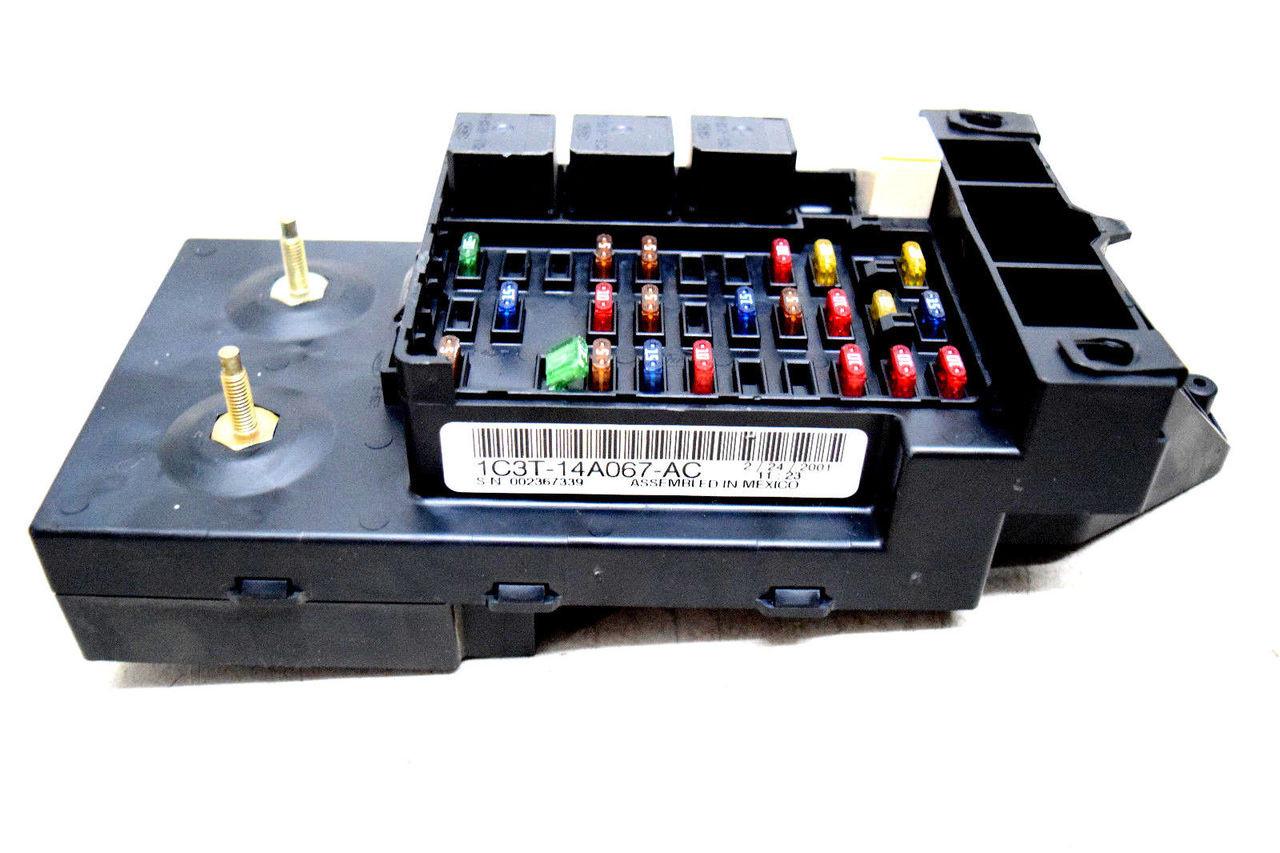 01 02 Ford Underdash Fusebox Relay Center No Gem 1c3t14a067ac Fuse Box
