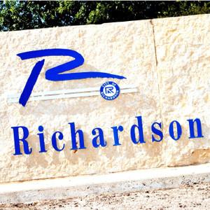 Richardson Stone // DTX302