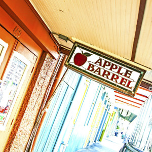 Apple Barrel // LA054