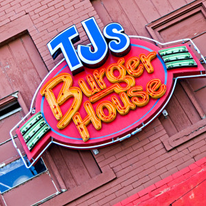 TJ's Burger House // KS045