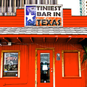 Tiniest Bar in Texas // ATX153