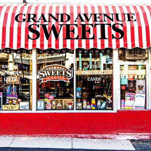 Grand Avenue Sweets // DEN082
