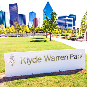 Klyde Warren Park Day // DTX053