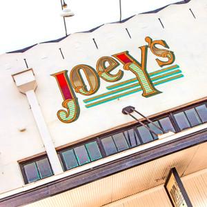 Joey's // SA220