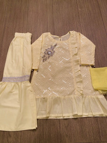 Yellow chicken kaari gharara with hand work