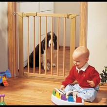 Center Gateway Beechwood Baby Gate