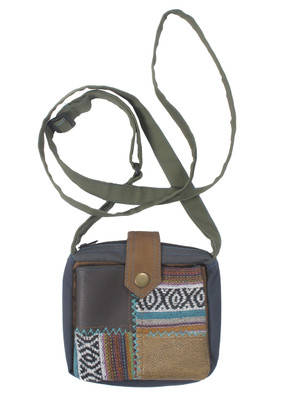 G4123 Mixed Patch Square Bag