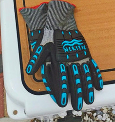 Neritic Nexus Gloves